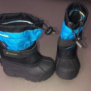 New Columbia toddler boots size 7